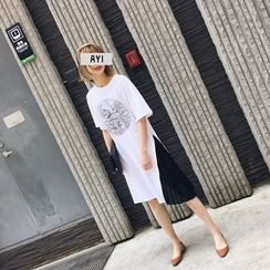 Eva Fashion - Pleated Panel Print T-Shirt Dress
