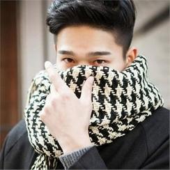 TOMONARI - Fringed Houndstooth Knit Scarf