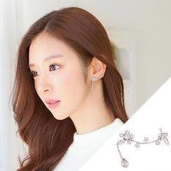 soo n soo - Flower Ear Cuff