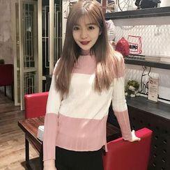 QZ Lady - Color Block Sweater