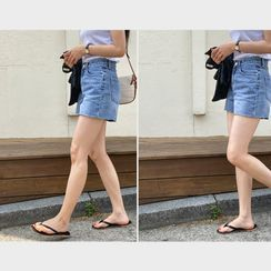 Miamasvin - Turtle-Neck Rib-Knit Top