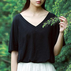 Plum Forest - V-neck Short-Sleeve T-shirt
