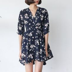 Sens Collection - Floral Print V-neck Dress