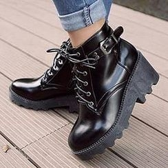 Mancienne - Lace-Up Buckled Ankle Boots