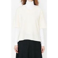 Someday, if - V-Neck Short-Sleeve Wool Blend Top