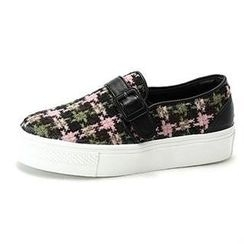 MODELSIS - Buckled Wool Slip-Ons