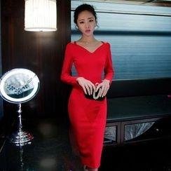 Dimanche - Long Sleeve Cutout Sheath Cocktail Dress