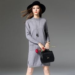 Y:Q - Pocketed Long Sleeve Knit Dress