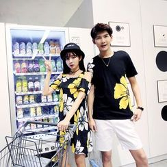 Azure - Couple Matching Print T-Shirt / Short-Sleeve Strapped Floral Dress