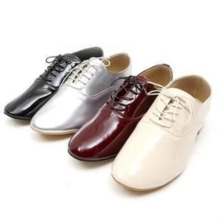 midnightCOCO - Lace-Up Patent Oxfords