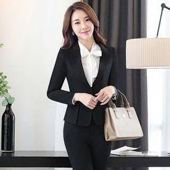 Pearlescent - 套装:打褶裥西装外套 + 短裙/长裤