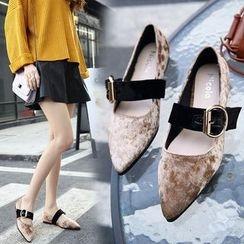 安若 - 飾扣尖頭平底鞋
