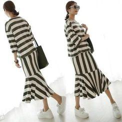 Capricorn - Set: 3/4-Sleeve Striped T-Shirt + Striped Midi Skirt