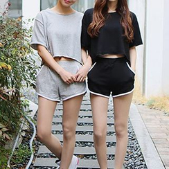 Melon Juice - Set: Cropped Short-Sleeve T-Shirt + Piped Shorts