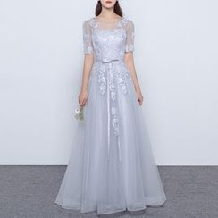 Luxury Style - Lace Appliqué Short Sleeve A-Line Evening Gown