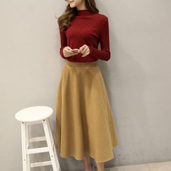 Romantica - Set: Knit Top + A-Line Skirt
