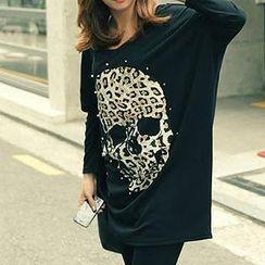 Dream Girl - Long-Sleeve Skull Print Studded T-Shirt