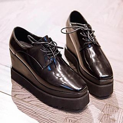 Siya - Wedged Lace-Up Shoes