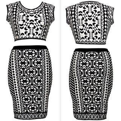 Sexy Romantie - Set: Aztec Print Sleeveless Top + Pencil Skirt