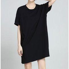 Clover Dream - Short-Sleeve T-Shirt Dress