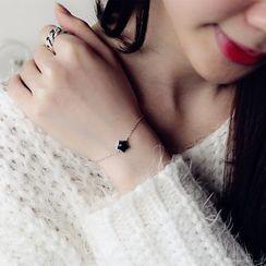 Love Generation - Sterling Silver Star Bracelet