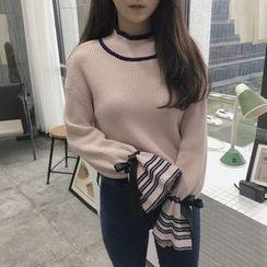 ALIN STYLE - Contrast Trim Mock Neck Sweater