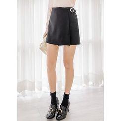 J-ANN - Banded-Waist Flap-Front Shorts