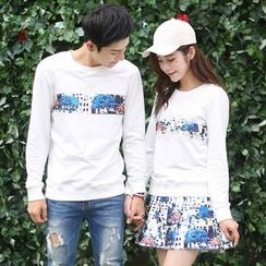 Igsoo - Couple Matching Print Long-Sleeve T-shirt / T-shirt Dress