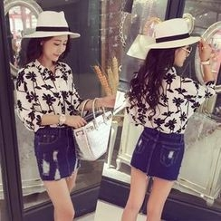 Small Mosquitoes - 3/4-Sleeve Floral Print Chiffon Blouse