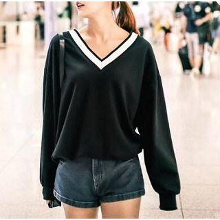 Everose - Long-Sleeved V-Neck T-Shirt