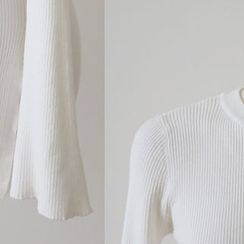DAILY LOOK - Slit-Sleeve Ribbed Knit Top