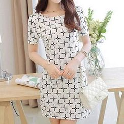 Q.C.T - Short-Sleeve Print Dress