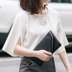 CLICK - Round-Neck Slit-Sleeve Top