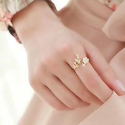 Avery - Rhinestone Flower Open Ring