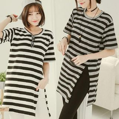 CatWorld - Short-Sleeve Striped Top