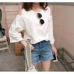 Miamasvin - Cutout-Shoulder 3/4-Sleeve T-Shirt
