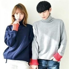 TOMONARI - Couple Turtle-Neck Contrast-Cuff Sweater
