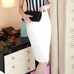 Yilda - 鉛筆裙