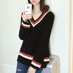 Ageha - Cable-Knit V-Neck Sweater