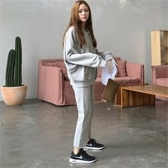 QNIGIRLS - Set: Hooded Pullover + Fray-Hem Sweat Pants