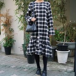 Jolly Club - Long-Sleeve Ruffle Plaid Dress
