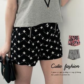 CUTIE FASHION - Printed Shorts