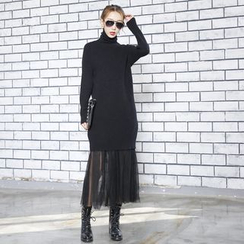 Sonne - Turtleneck Knit Dress