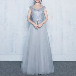 Luxury Style - Lace Appliqué Sleeveless A-Line Evening Gown