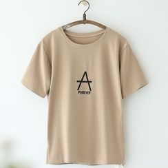 11.STREET - Letter Embroidered T-Shirt