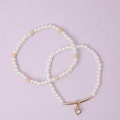 Cherryville - Set of 2: Faux-Pearl Bracelets