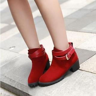 JY Shoes - Belted Chunky Heel Ankle Boots