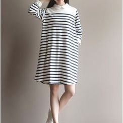 Clover Dream - 3/4-Sleeve Striped A-Line Dress