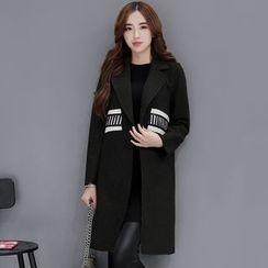 Romantica - Paneled Snap-Buttoned Coat