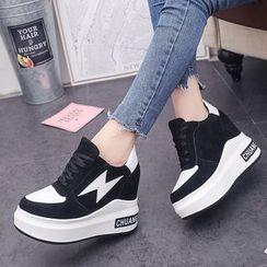 Yoflap - Flash Applique Platform Lace Up Sneakers
